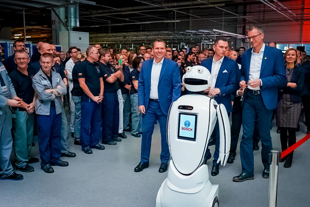 Nowoczesny robot fot. producenta