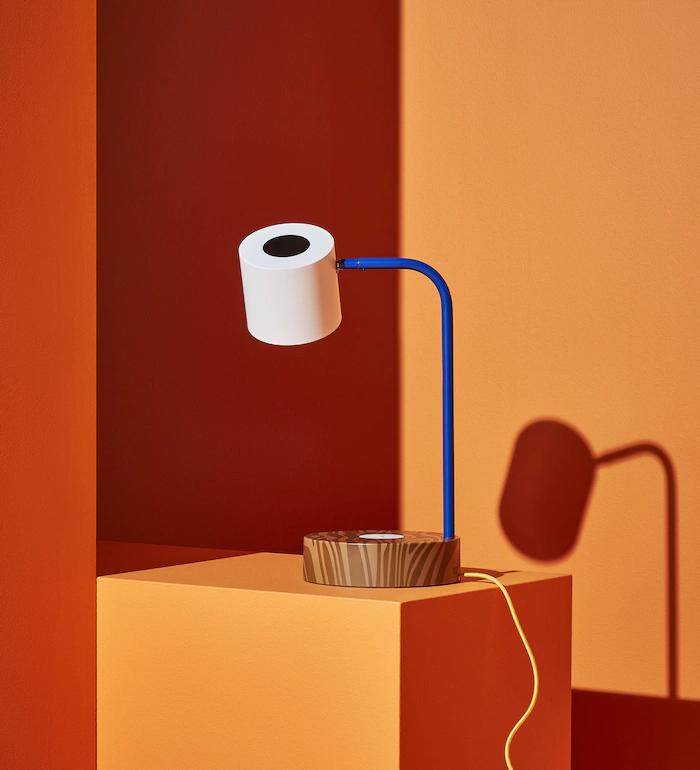 lampka z ładowarką indukcyjną tania