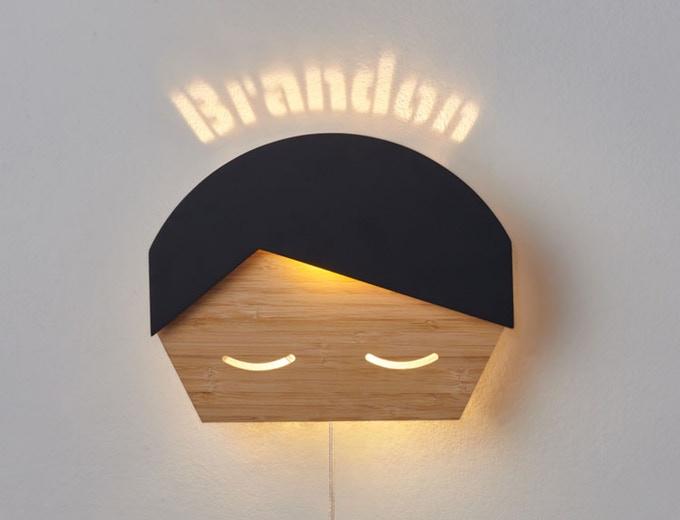 lampka wyświetlająca imię dziecka