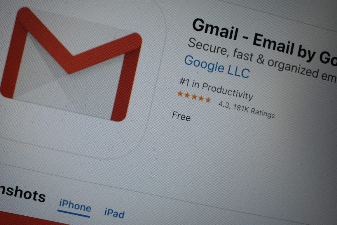 gmail ios tryb ciemny
