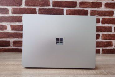 logo windows 10 na laptopie